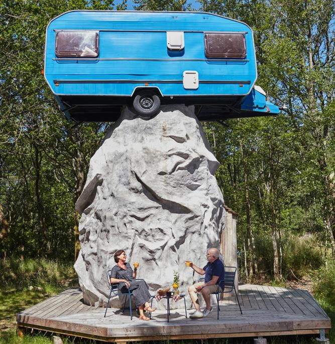 Keravan : une caravane, un menhir, deux incontournables des vacances en Bretagne!