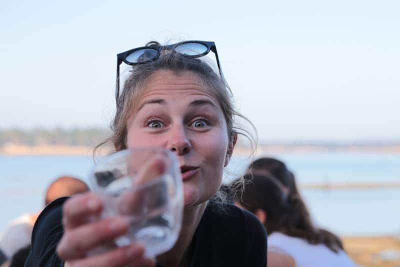 Boire un verre à La Belle Folie dans son restaurant ouvert à l'année